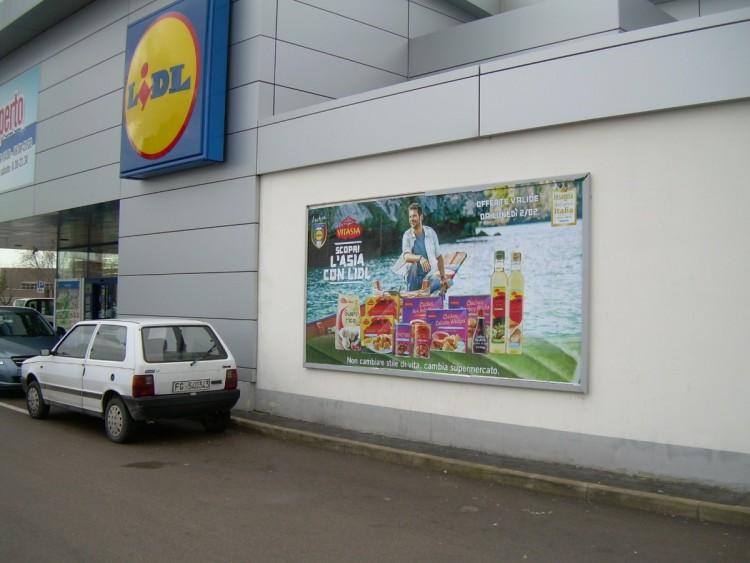 Affissione centri commerciali