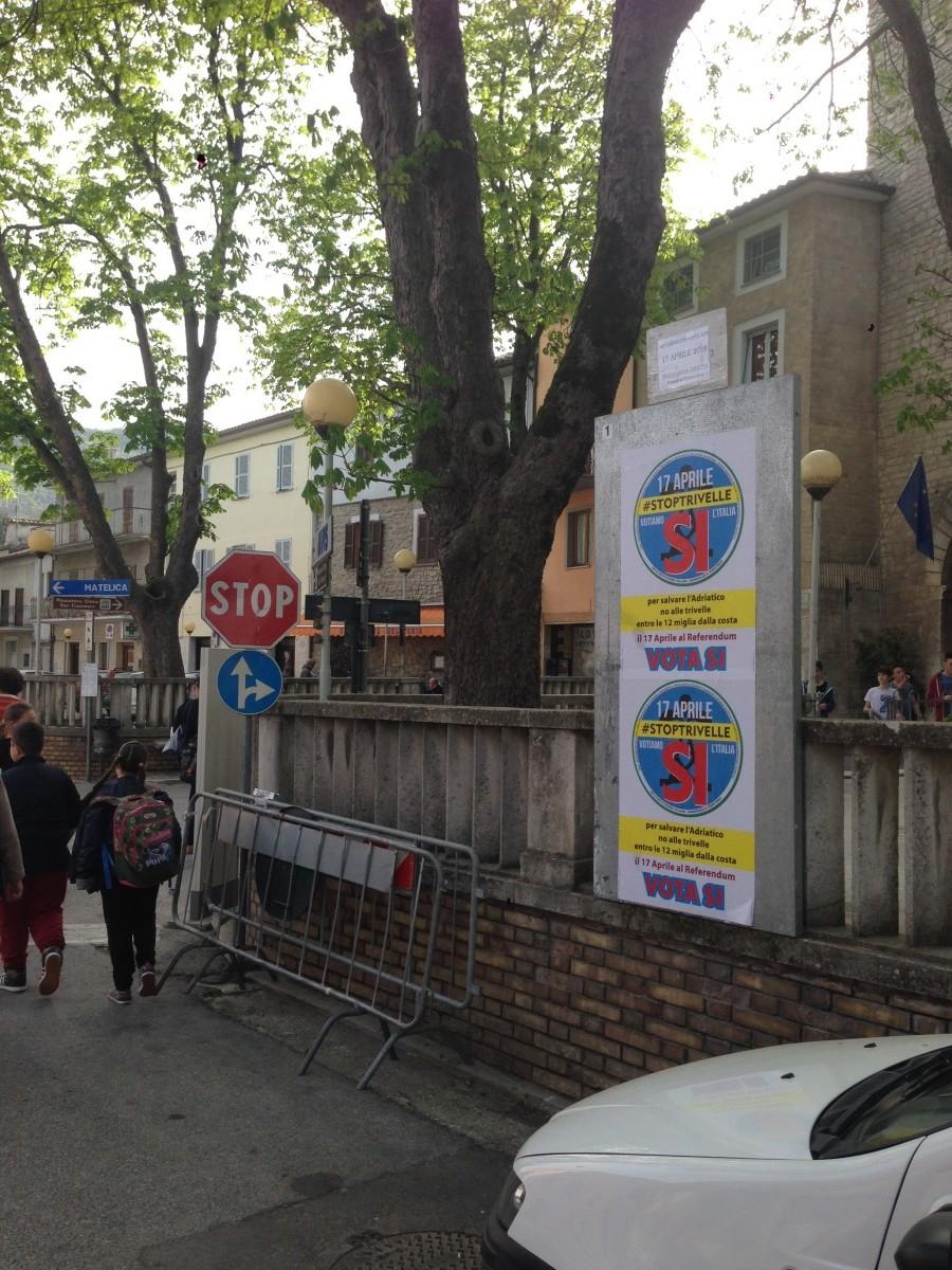 Affissione manifesti elettorali
